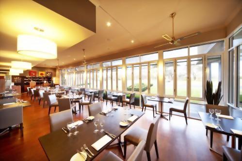 Century Inn Traralgon - Dining
