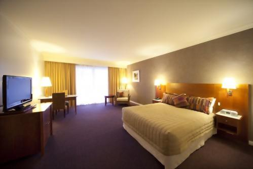 Century Inn Traralgon - Classic Queen Room