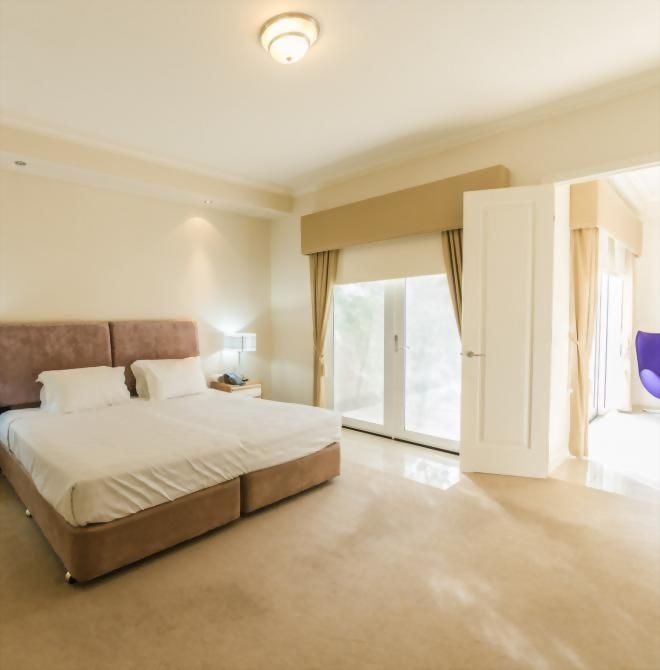 Century Inn Traralgon - Studio Apartment
