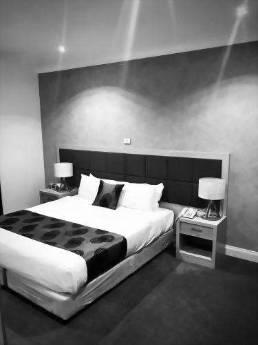 Century Inn Traralgon - Studio Apartment